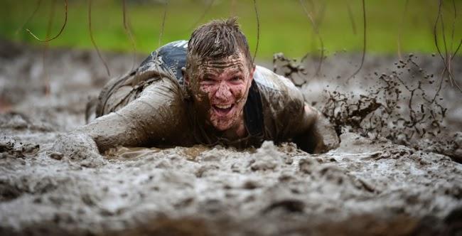 Гонка Mudder не была бы такой жестокой без грязи и оборванных электрических проводов.