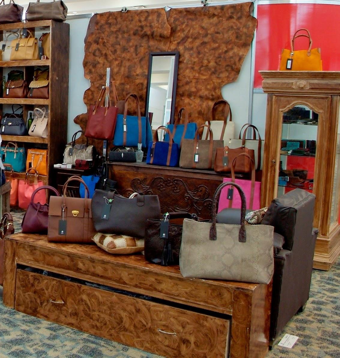 bolsos dama, escaparate de la dama, sapica marzo 2014, articulos de piel, moda, moda mexicana.