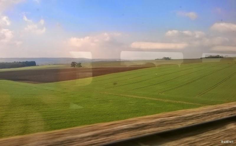 Campagne vue depuis le TGV
