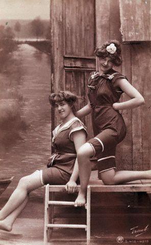 Купальный костюм 1900.