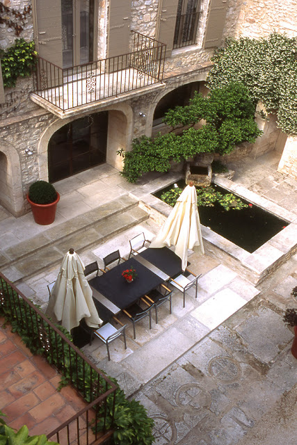 ������ �������� ����� ������ french-style-courtyard-1.jpg