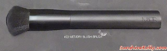 NARS Dual-Intensity Blush, NARS, Narsisist, Nars cosmetics, Color swatch, beauty review, nars wet dry blush brush