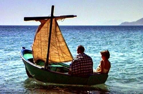 Αρμενίζουμε με βάρκα την ελπίδα