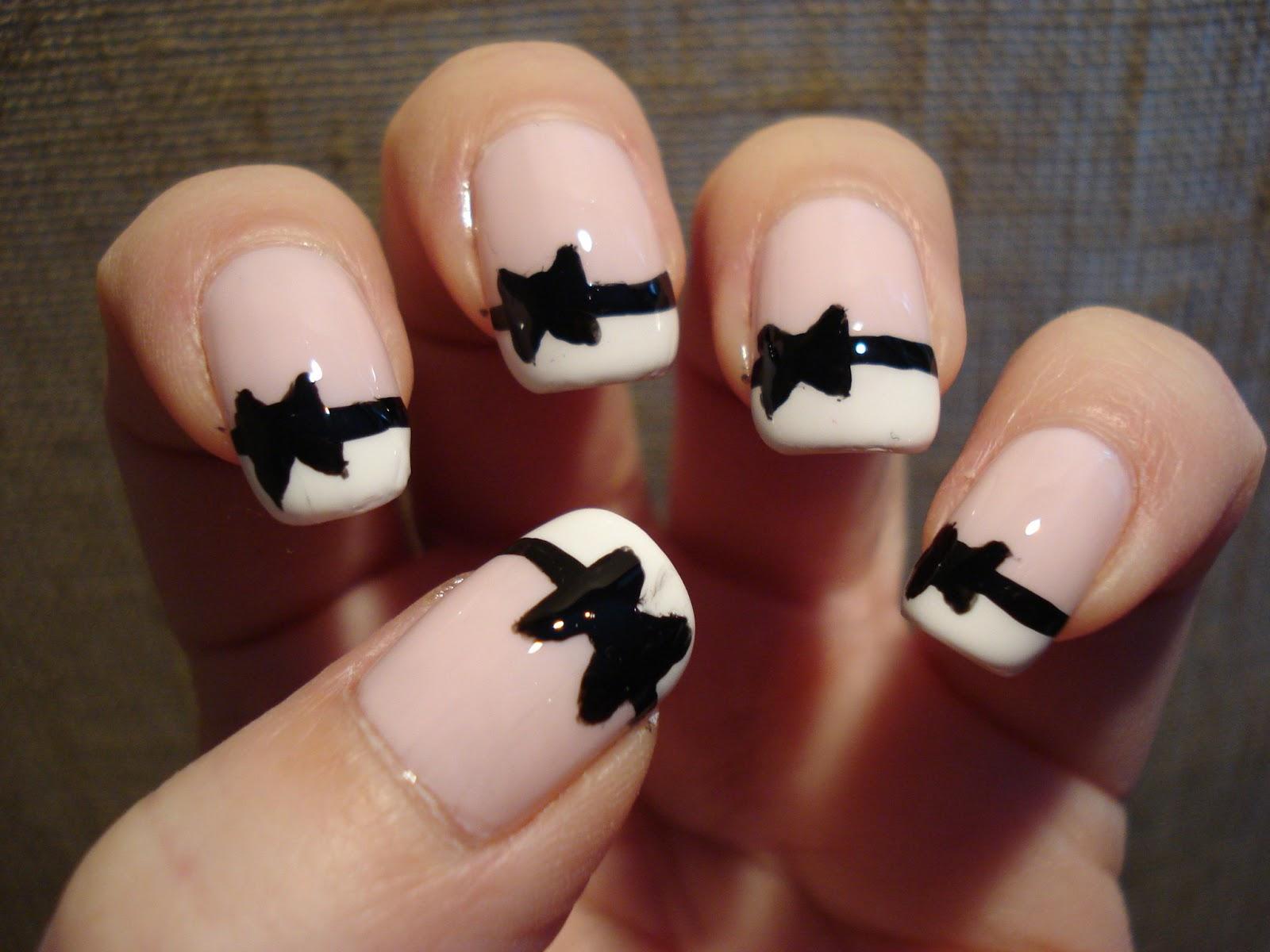 Дизайн ногтей в черном цвете фото с белым