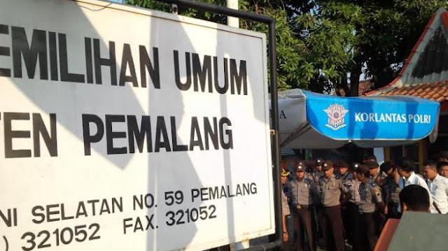 KPU Pemalang Bagikan Bahan Kampanye