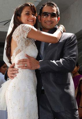 Indian Celebs: amrita arora with husband shakeel ladakh photos