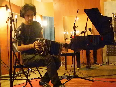 Fernando Samalea ( Charly Garcia, Gustavo Cerati)