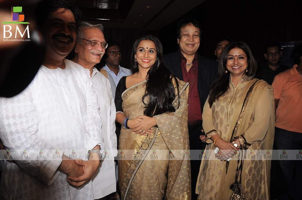 Jagjit Singh And Family Gulzar And Jagjit Singh Ghalib