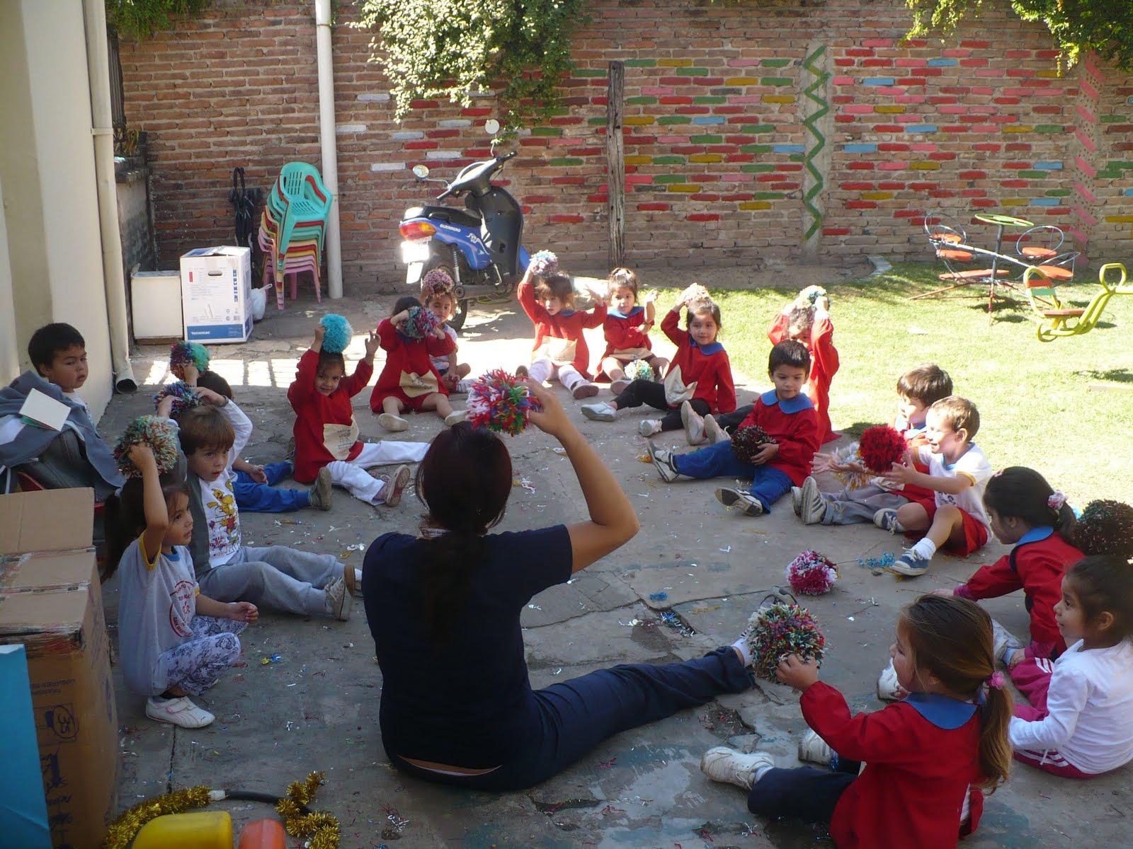 Jard n maternal las aventuras de cristian y diego for Actividades para jardin maternal sala de 2