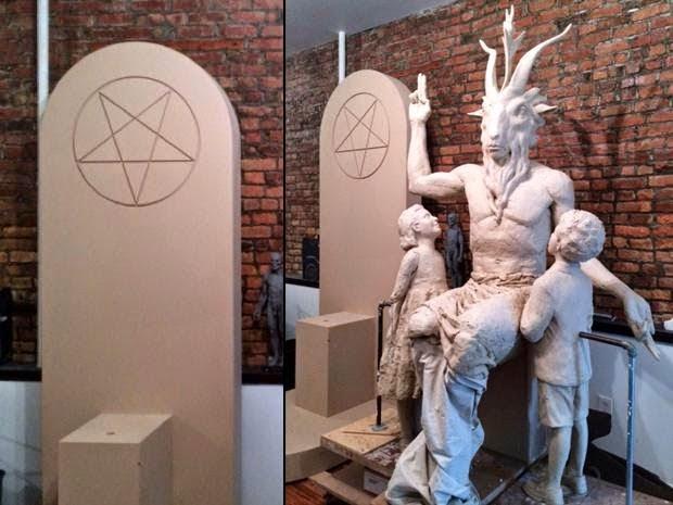 Estatua satánica lista para ser instalada
