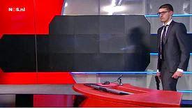 Pays-Bas : un homme armé interrompt le journal de 20h
