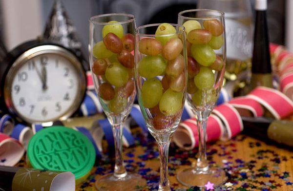 12 winogron zwyczaje przesądy sylwestrowe i noworoczne