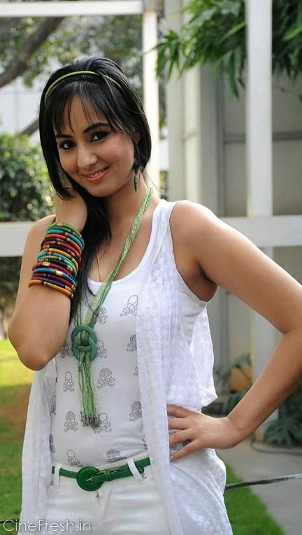 Sakshi Gulati Hot Stills Sakshi Gulati New Photos Photoshoot images