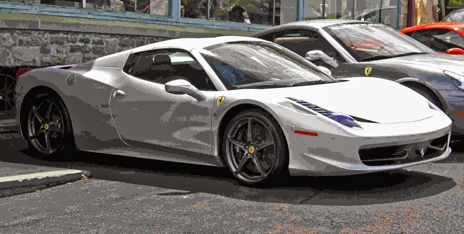 Wallpaper Ferrari 458 White Putih