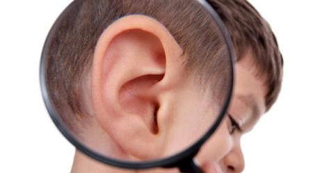 Tips bersihkan tahi telinga