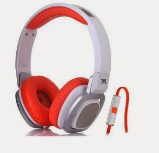 JBL Headphone J55 at Rs.1999 : buytoearn