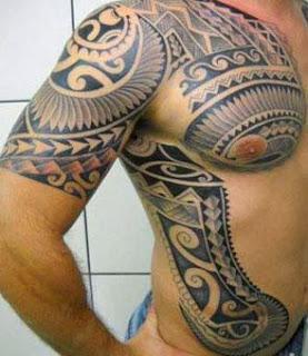 Maori no ombro