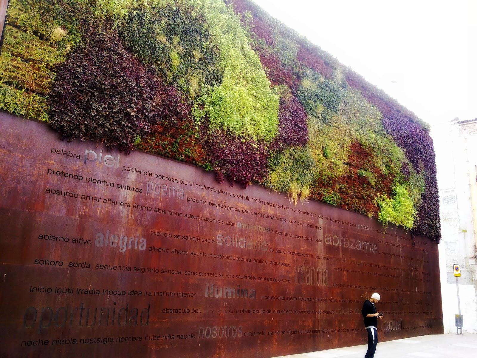 Grafitis y paredes muro jard n - Muro jardin ...