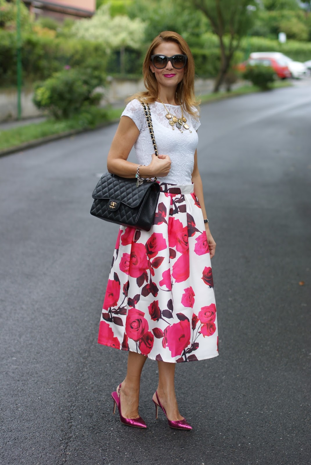 Chicwish rose print midi skirt and Chanel bag, Le Silla heels for a romantic outfit on Fashion and Cookies fashion blog, fashion blogger style