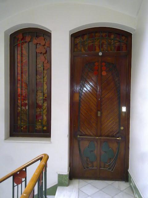 La restauracion de carpinterias modernistas en la casa - Restauracion muebles valencia ...