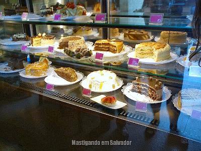 Doce Vanilla: Vitrine de Tortas Doces da loja de Vilas do Atlântico