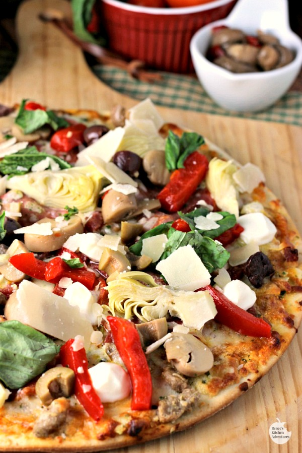 Quick Antipasto Pizza | by Renee's Kitchen Adventures - quick and easy recipe for an Italian inspired appetizer great for the big game or a fun dinner!