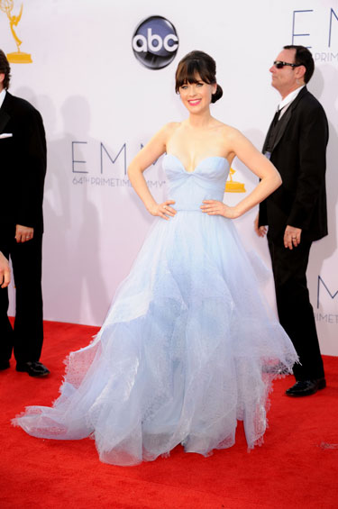 Zooey Deschanel vestido Reem Acra Emmy 2012