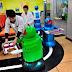Pelayan Robot Bekerja Di Restoran