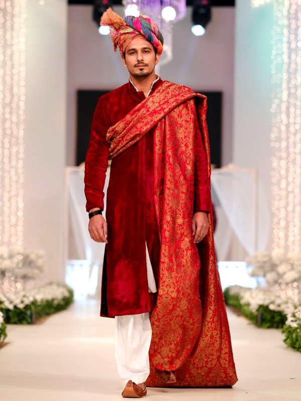 Chicboutique Style 360 Bridal Couture Week 2011 12 At Lahore Bridal And Groom Collection By