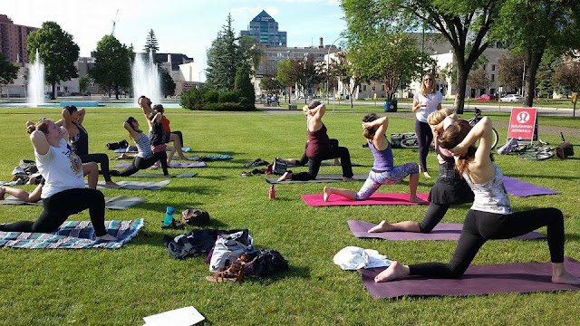 Free summer yoga, karma yoga, yoga winnipeg, yoga manitoba, complimentary yoga, winnipeg guide to summer