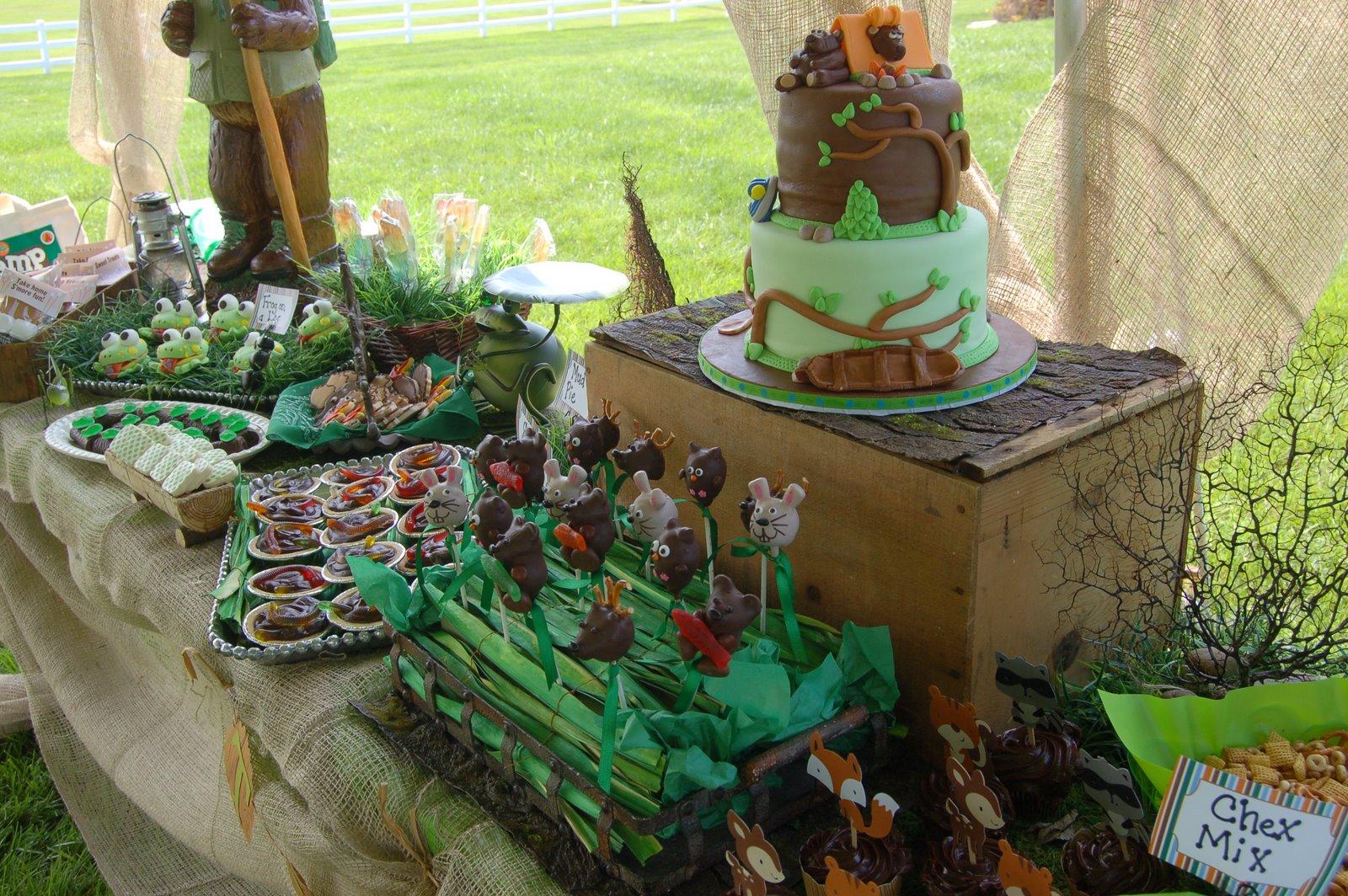 Maddyson 39 s lane campout birthday party - Mesas de campo ...