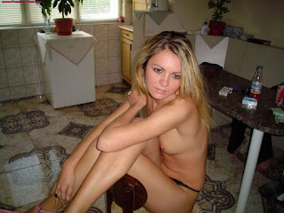 Naked brunnette - rs-set_75_engaged_hottie_with_a_killer_ass_%25281%2529-729683.jpg