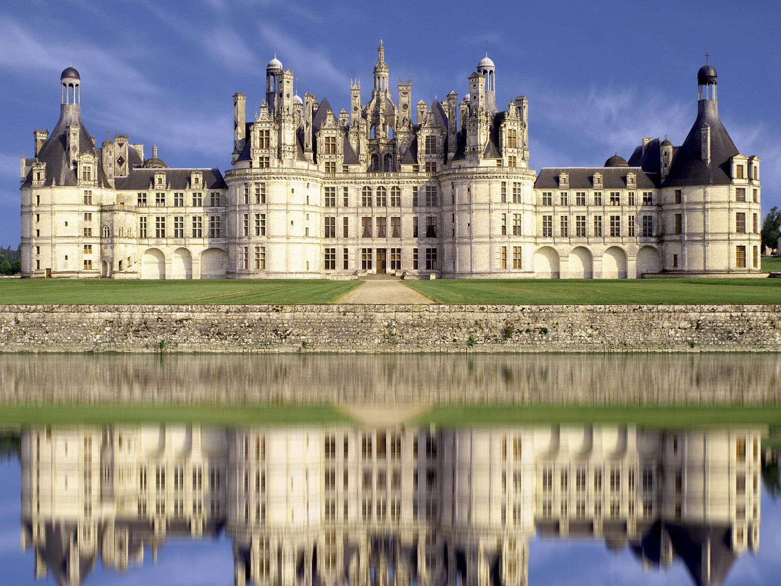 french castles See two magnificent french castles  i want emails from lonely planet with travel and product information, promotions, advertisements, third-party offers,.