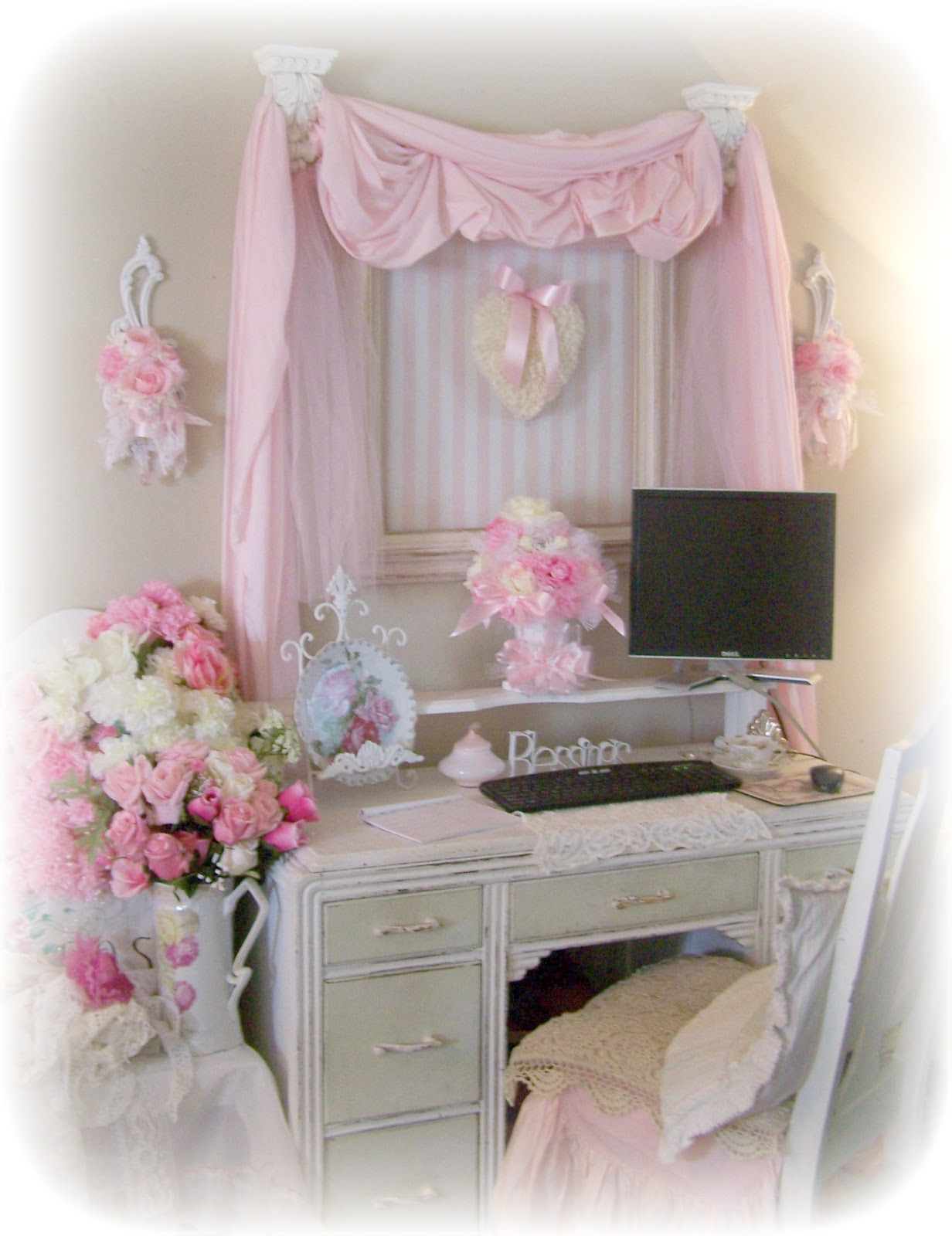 olivia 39 s romantic home shabby chic office. Black Bedroom Furniture Sets. Home Design Ideas