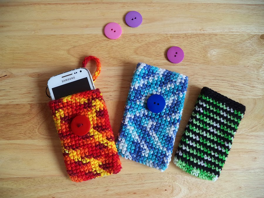 Art Li and Stuff - Crocheted phone pouches