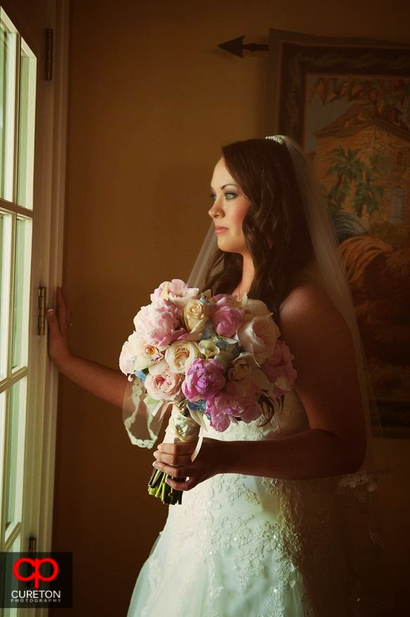 bride with roses bouquet