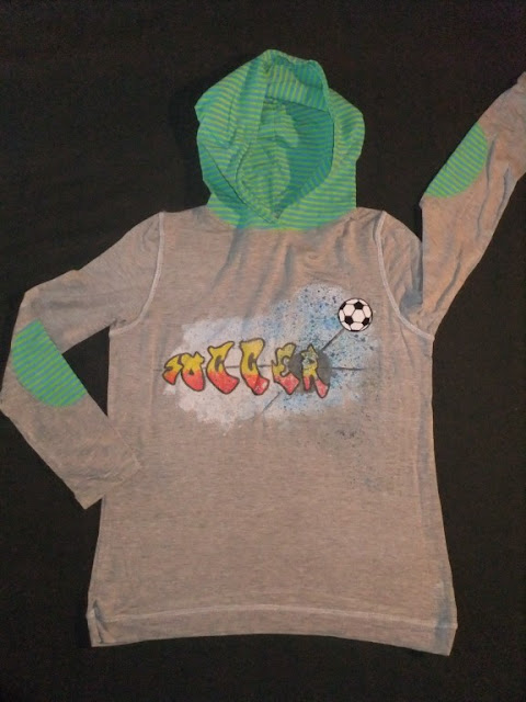Fussballshirt in grau mit print