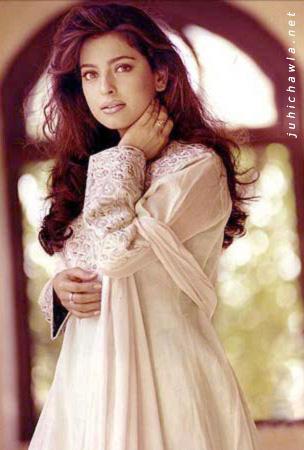 Free Bollywood Magsine Juhi Chawla Wallpapers