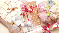 http://www.makoccino.com/2013/12/diy-gift-wrapping-ideas.html