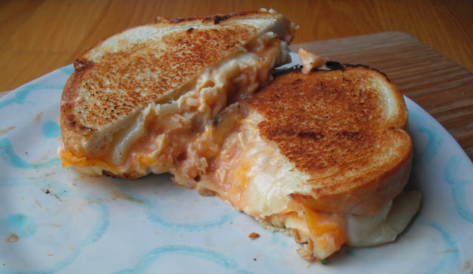 Top ate on your plate buffalo chicken grilled cheese sandwich for Buffalo chicken sandwich recipe grilled