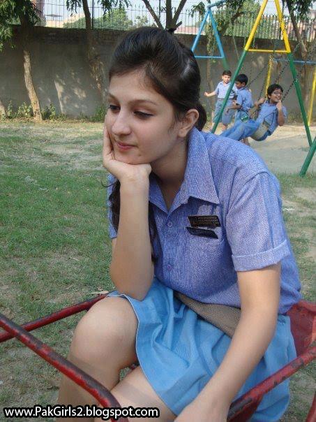 Pakistani Hot College Girls Gallery 2