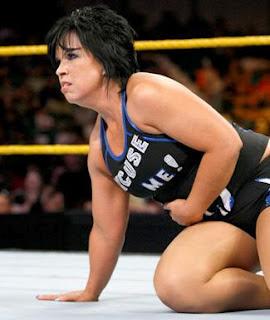 WWE DIVAS: V... Vickie