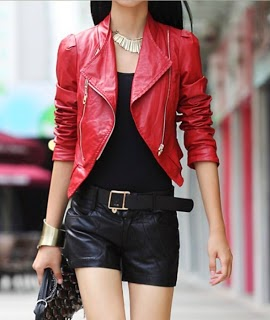 jaket kulit merah versi selebritis