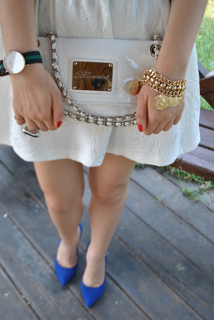outfit borsa bianca borsa bianca blumarine come abbinare la borsa bianca abbinamenti borsa bianca how to wear white bag white bag outfit mariafelicia magno fashion blogger outfit luglio 2015 outfit estivi donna come vestirsi in estate come vestirsi per combattere il caldo outfit estate 2015 summer outfits july outfits white bag outfit how to wear white bag white bag street style  bracciale con monete dorate majique bracciali estate 2015 accessori estivi bracciali con charms bracciali dorati summer bracelets gold bracelet majique london bracelet oceanic jewelers