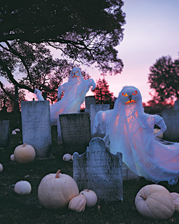 mla103714 1008 ghostly xl » Fabulous Outdoor Halloween Decorationsshelterness