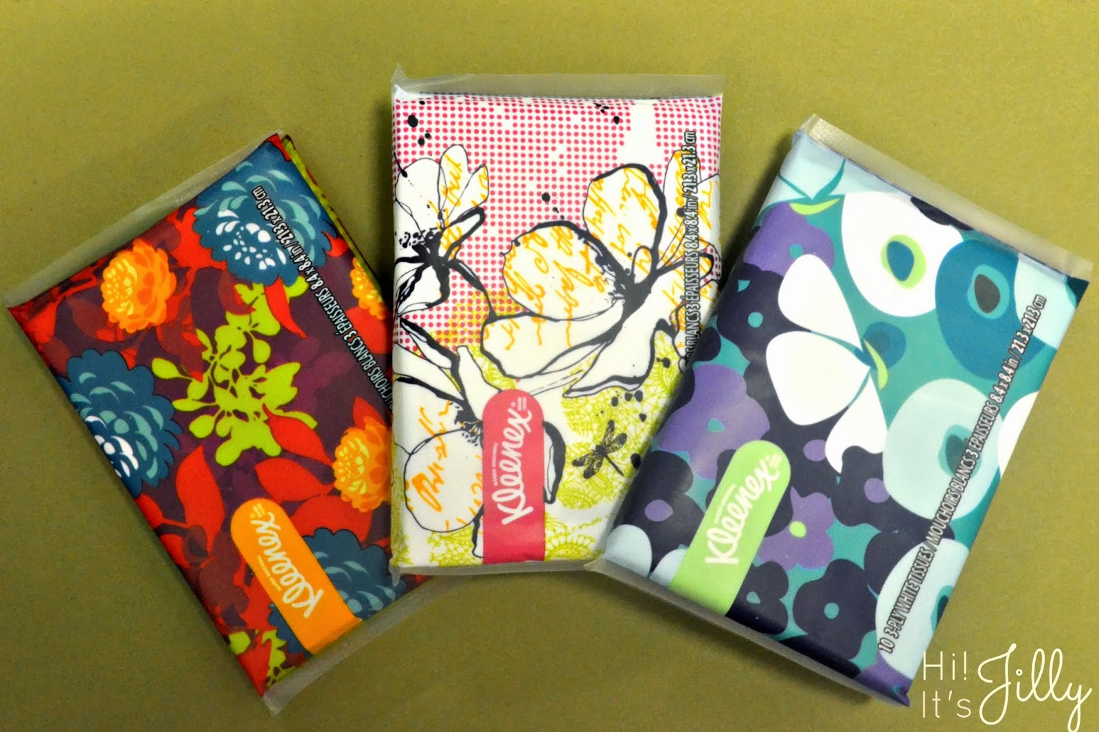 Lovin' the fun styles and colors of Kleenex Slim Packs. Perfect for tossing in a purse or backpack! #KleenexStyle