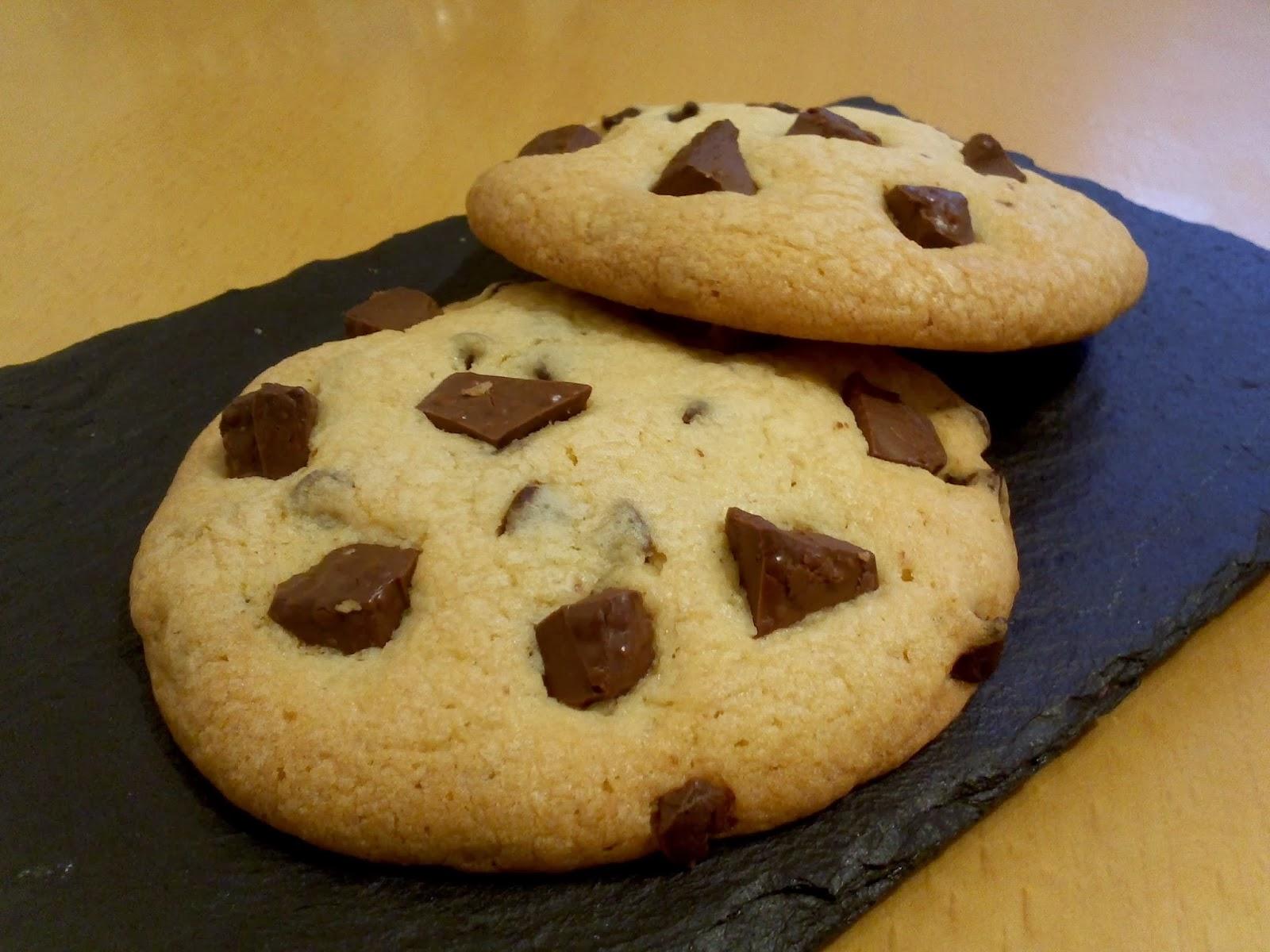 invitation au fait maison cookies au chocolat noir et chocolat au lait. Black Bedroom Furniture Sets. Home Design Ideas