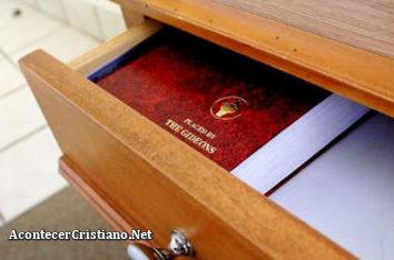 Biblia de Los Gedeones en hotel