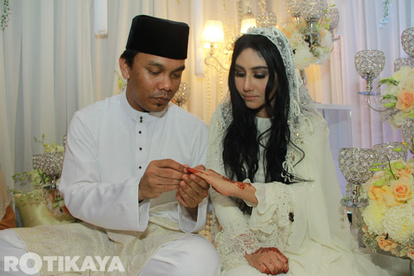 Majlis Pernikahan Ella dan Azhar Ghazali