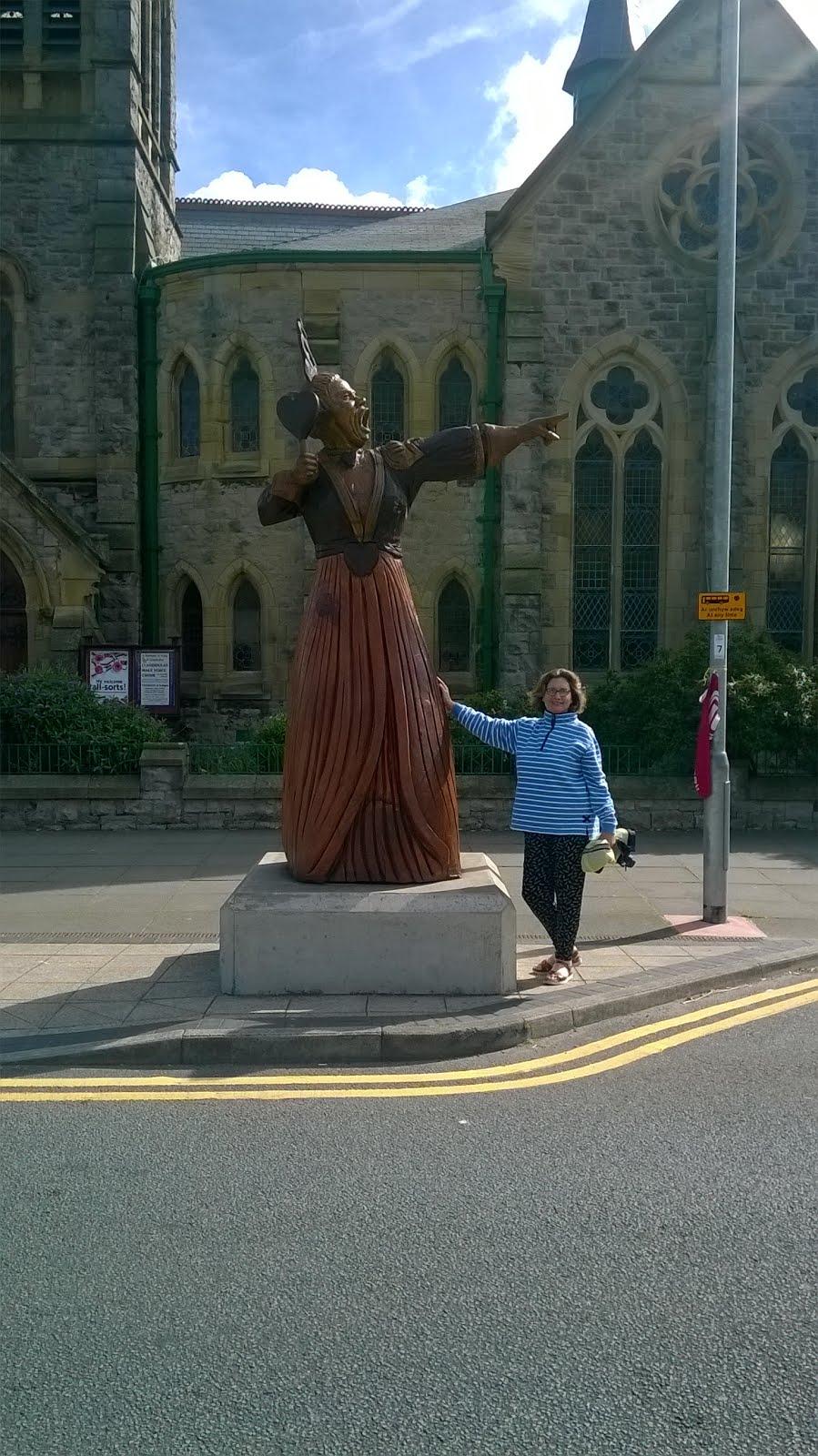 Homenaje en Llandudno-Wales a Lewis Carrol por Alicia en el país de las maravillas.
